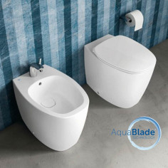 Sanitari filo muro Dea Ideal Standard vaso AquaBlade bidet e coprivaso soft close
